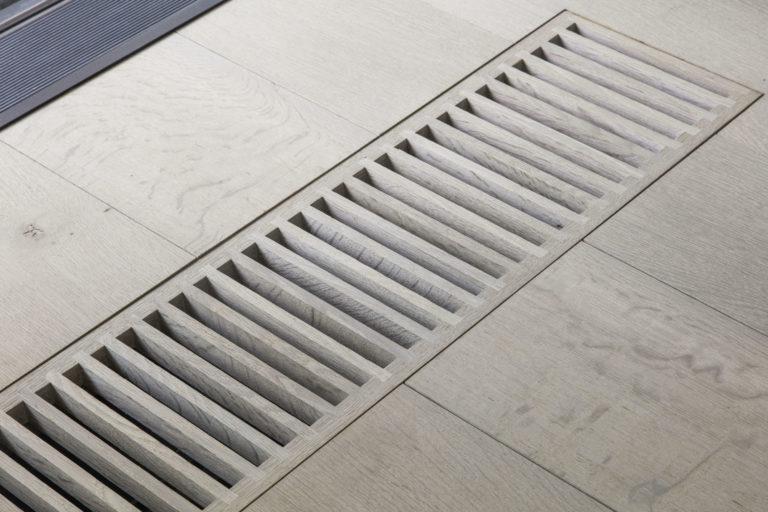 Extra brede eiken planken in woonkamer nobel flooring